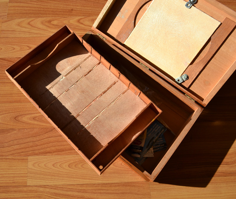 interior tray for how to make pochade box from a cigar box by PJ Cook